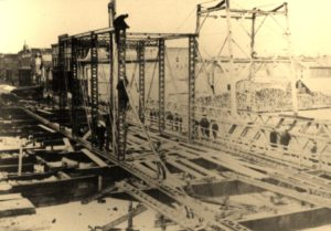 Construction of the Steel Bridge in 1886