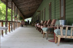 fireside-inn-porch