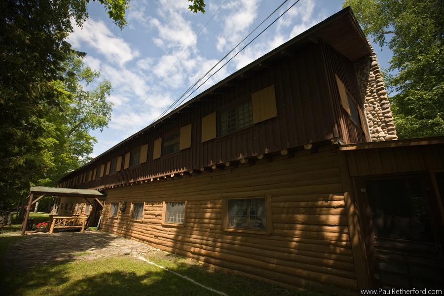 Presque Isle Lodge exterior