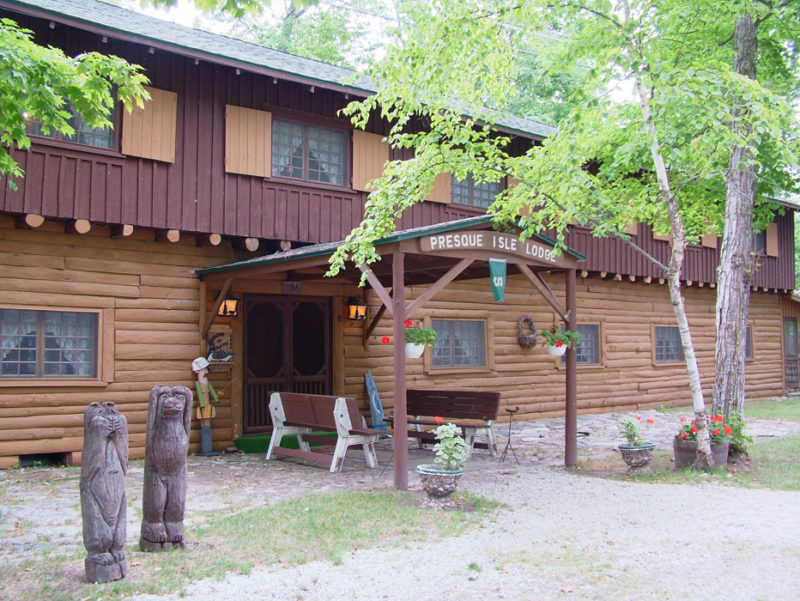Cabins, Cottages & Resorts, Alpena Michigan